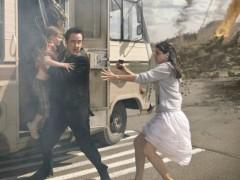 灾难电影《2012世界末日》 宣扬暴力屈服于世俗
