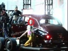 """《猛禽小队》玛格特·罗比晒片场照 反派角色""""黑面具""""造型曝光"""